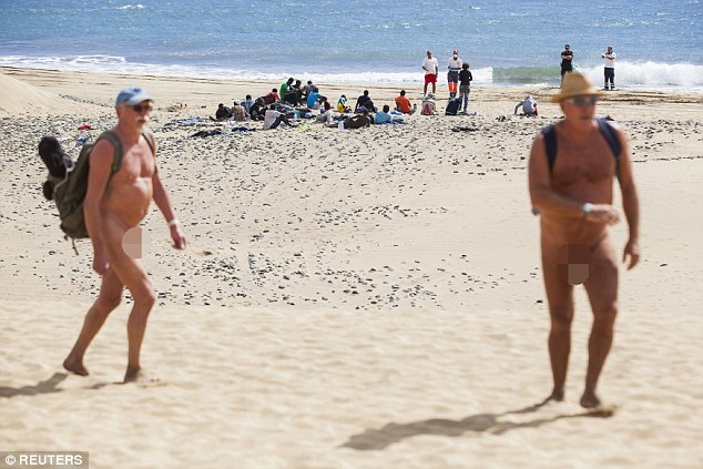 Hundreds Of People Have Been Flocking To Disrobe At South Africas First Official Nudist Beach Kwazulu Natals Secluded Mpenjati Beach Located Outside